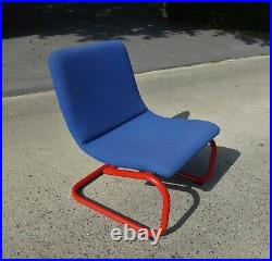 LOUNGE CHAIR MID CENTURY 1980s MEMPHIS STYLE VINTAGE BLEU RED OLD IKEA CHAIR