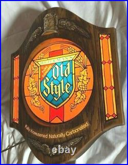 Vintage Old Style Beer Lighted Bar Sign. Extremely Nice! Original. Looks so Good